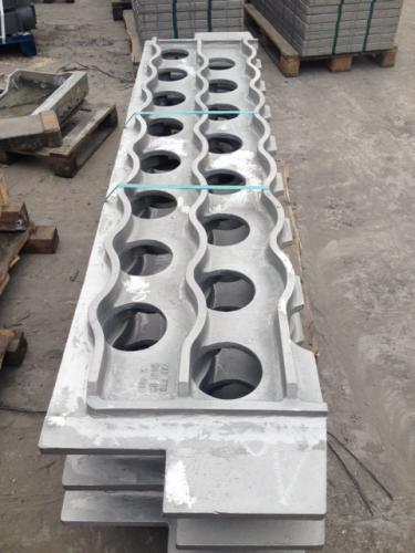Formguss Rohrtragplatte - Statically cast tube sheet 1